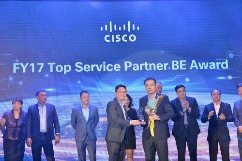 FPT IS won big at Cisco Annual Awards Ceremony