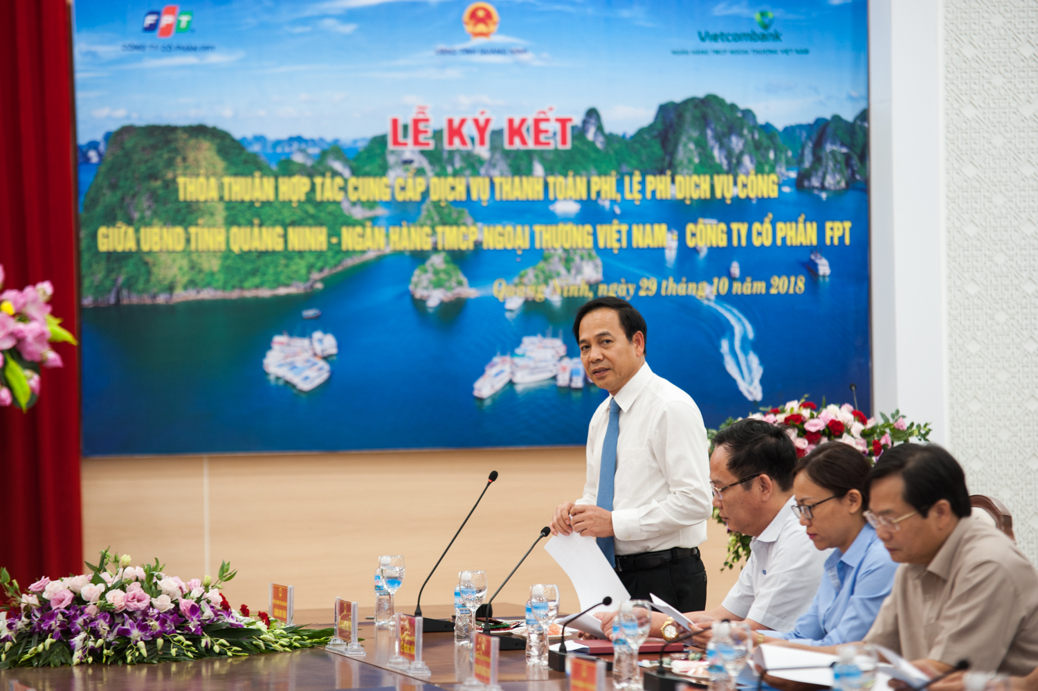 Quang Ninh put electronic payment into e-government system