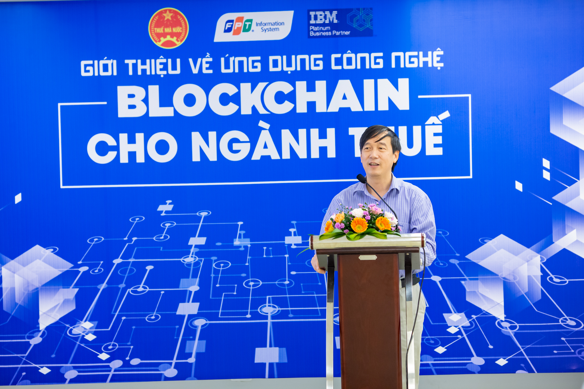 FPT IS and IBM Vietnam propose digital transformation  programs for the tax industry